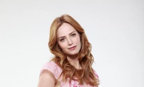 Jamie Ray Newman as Kat Gardner