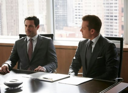 Watch Suits Online Season 6