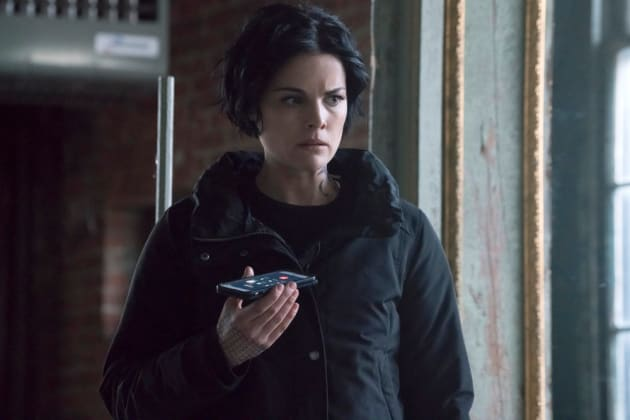 Jane On The Phone - Blindspot Season 2 Episode 15