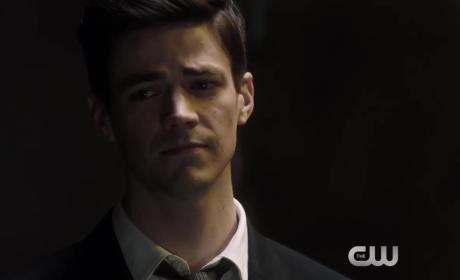 The Flash Promo: Can Barry Defeat Savitar?
