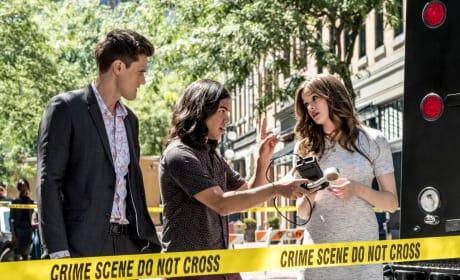 Making a Move - The Flash Season 5 Episode 1