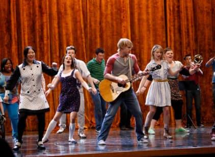 Watch Glee Season 2 Episode 19 Online