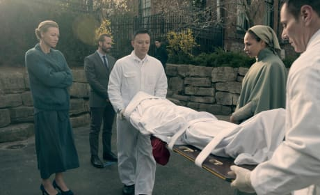 Death at the Commander's - The Handmaid's Tale Season 1 Episode 8