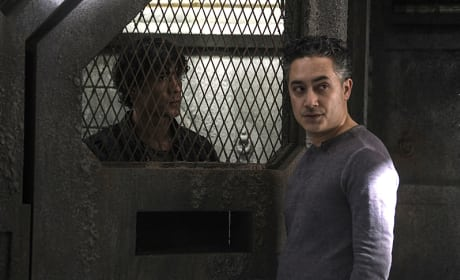 Conferring - The 100 Season 3 Episode 8