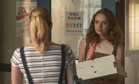 Pizza Surprise - Riverdale Season 3 Episode 3