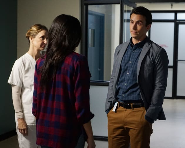Why Are You Doing This? - Pretty Little Liars Season 7 Episode 2