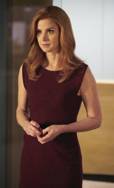 Donna Needs Help - Suits Season 7 Episode 14