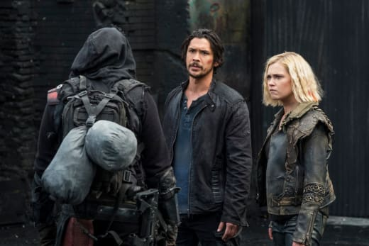 Bellamy and Clarke Leading Again - The 100