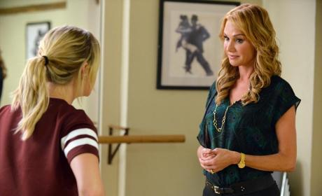 Talking with the Expert - Pretty Little Liars Season 5 Episode 20