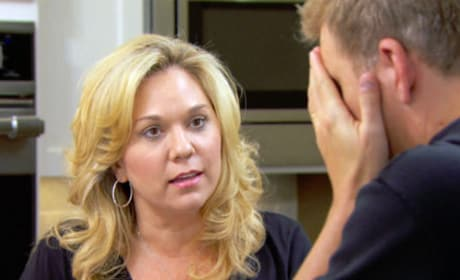 Todd Chrisley Reacts - Chrisley Knows Best
