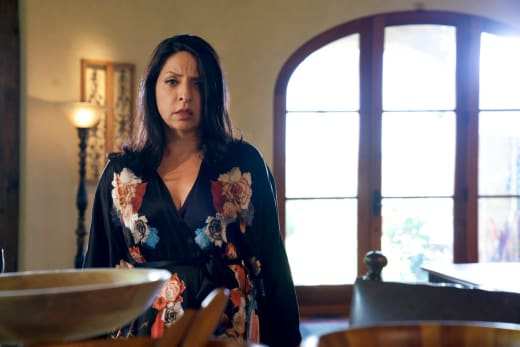 Camila's Orders - Queen of the South Season 3 Episode 7
