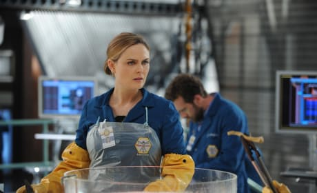 Bones Picture Preview: Special Delivery