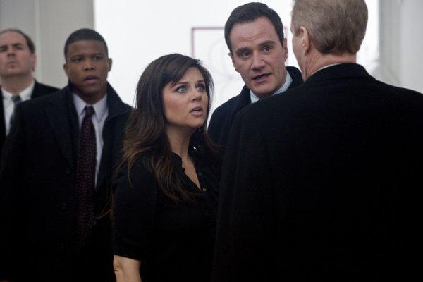 Elizabeth looking at Fowler