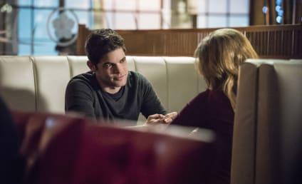 Watch Supergirl Online: Season 2 Episode 13