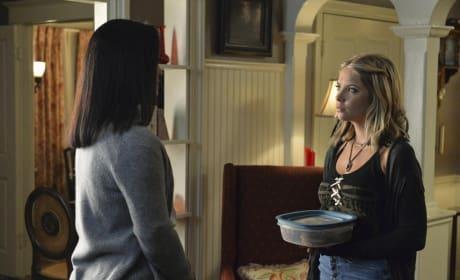 Hanna Brought a Dish - Pretty Little Liars Season 5 Episode 12