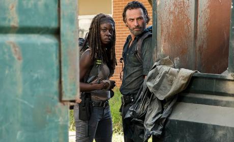Scavenging - The Walking Dead