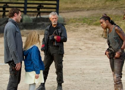 Watch Terra Nova Season 1 Episode 5 Online