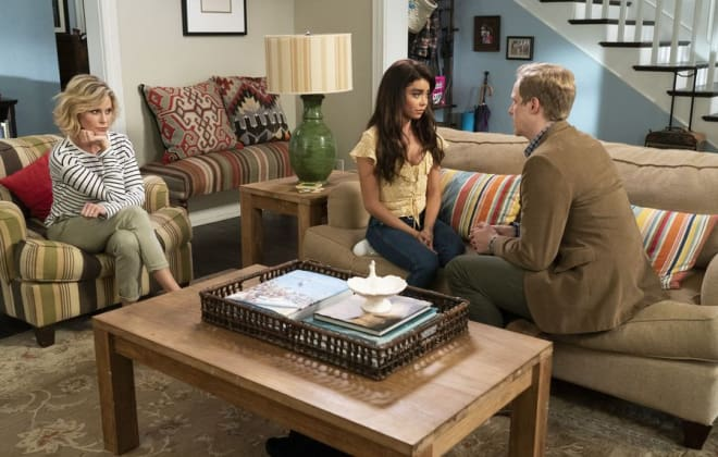 Modern Family Season 10 Episode 4 Review: Torn Between Two Lovers