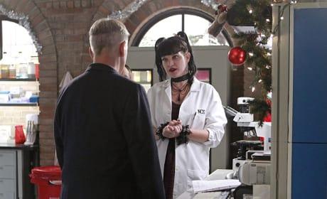 The Christmas Mood - NCIS Season 12 Episode 10