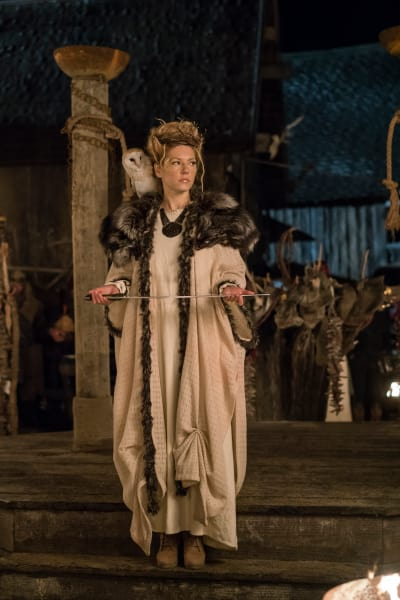 Queen Lagertha - Vikings Season 4 Episode 18