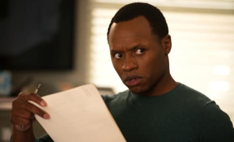 Clive's WTF Face - iZombie Season 4 Episode 2