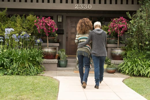 Stef and Lena Take A Stroll - The Fosters Season 5 Episode 7