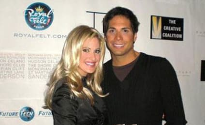 Is Kim Zolciak Dating Joe Francis?!?