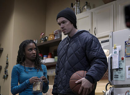 Watch Shameless Season 1 Episode 8 Online