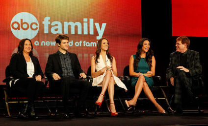 """Pretty Little Liars Cast & Crew Tease """"Mind-Blowing Storyline,"""" Uber A"""