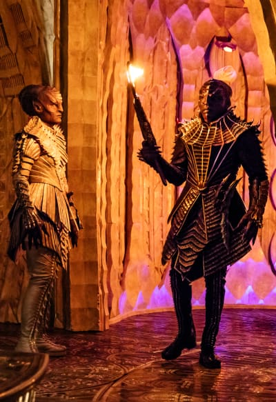 L'Rell and T'Kuvma - Star Trek: Discovery Season 1 Episode 1