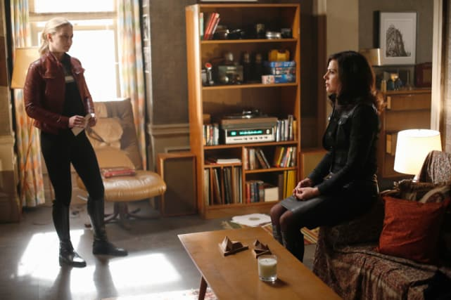 Working Together to Save Their Son - Once Upon a Time Season 5 Episode 22