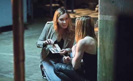 Family Photo - Arrow Season 4 Episode 4