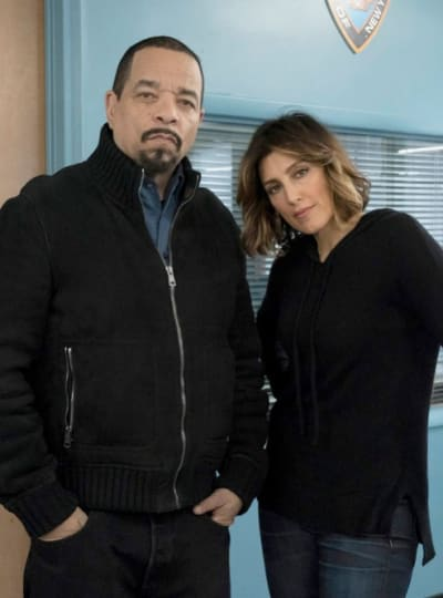 (TALL) Teaming Up - Law & Order: SVU Season 20 Episode 15