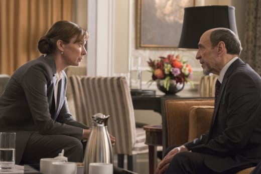 Dar Briefs Elizabeth Keane - Homeland Season 6 Episode 3
