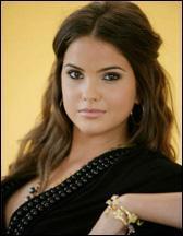 Shelley Hennig Pic