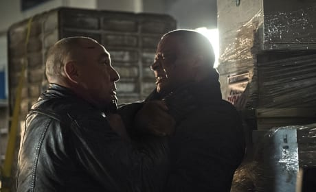 Up Close and Personal - Arrow Season 3 Episode 10