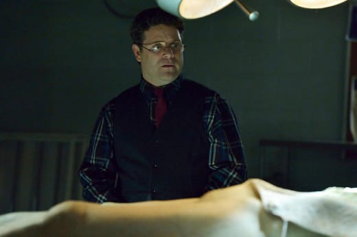 Sean Astin as Jim Kent - The Strain Season 1 Episode 4