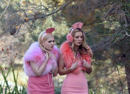 Watch Scream Queens Season 2 Episode 10 Online