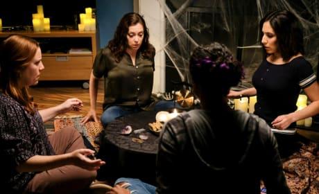 Séance Time  - Crazy Ex-Girlfriend Season 4 Episode 2