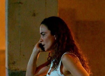 Watch Queen of the South Season 3 Episode 13 Online
