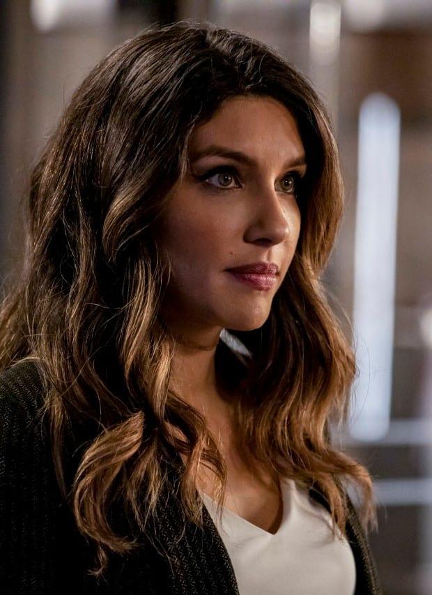 Captain or Canary? - Arrow Season 7 Episode 15
