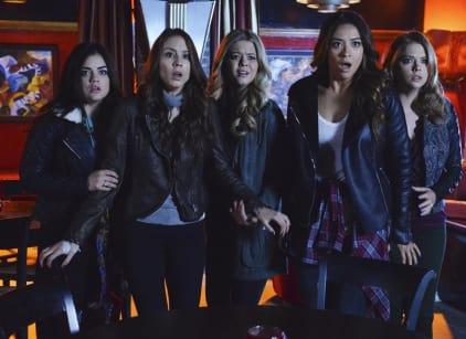 Watch Pretty Little Liars Season 4 Episode 24 Online
