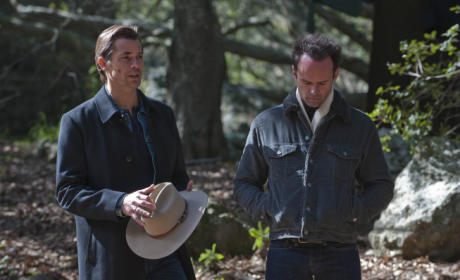 Raylan and Boyd Talk