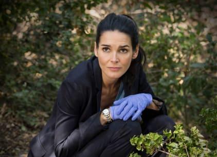Watch Rizzoli & Isles Season 7 Episode 9 Online