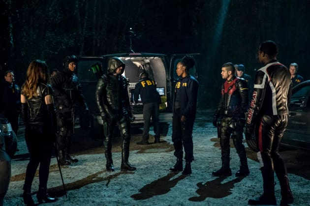 Team Arrow with the FBI Season 6 Episode 23