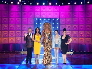Halsey and Padma Lakshmi Guest Star - RuPaul's Drag Race