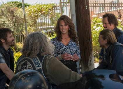 Watch Sons of Anarchy Season 7 Episode 4 Online