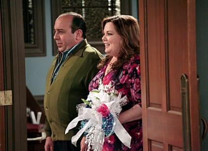 Watch Mike & Molly Season 2 Episode 22 Online