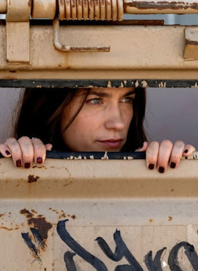 Wynonna hide - Wynonna Earp Season 4 Episode 8