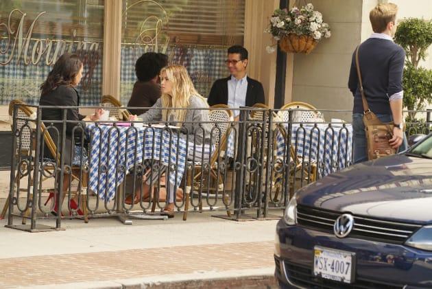 We're Friends! - Pretty Little Liars Season 7 Episode 11